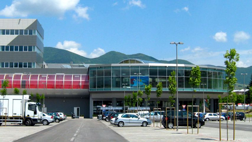 centro commerciale fabriano 2